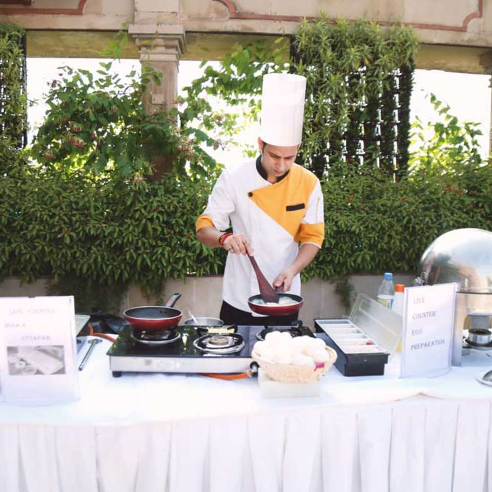 Palmyra Restaurant, The Bristol Hotel Gurgaon, Restaurant In Gurgaon 2554