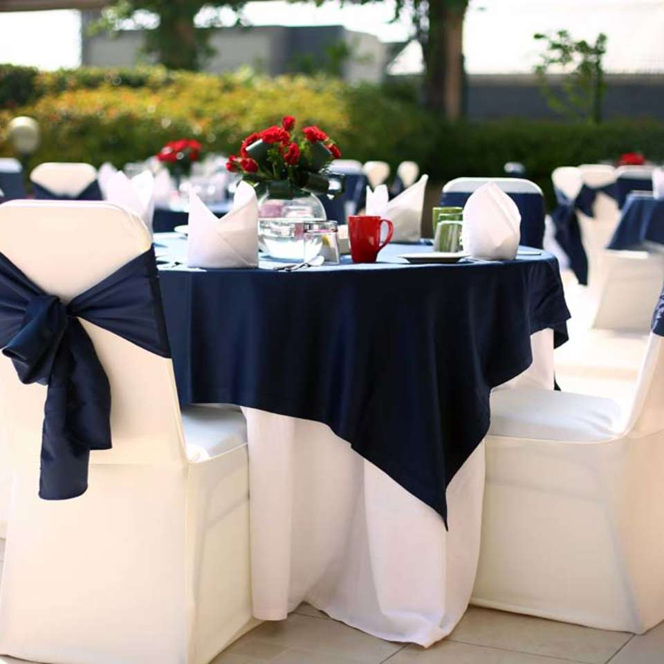 Palmyra Restaurant, The Bristol Hotel Gurgaon, Restaurant In Gurgaon 3746
