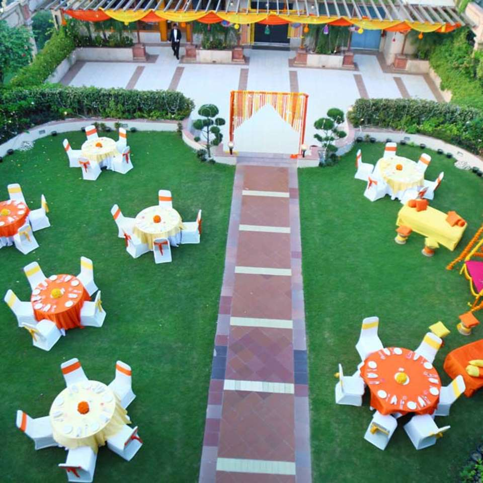 Pool Side, The Bristol Hotel Gurgaon, Banquet Hall In Gurgaon 5028