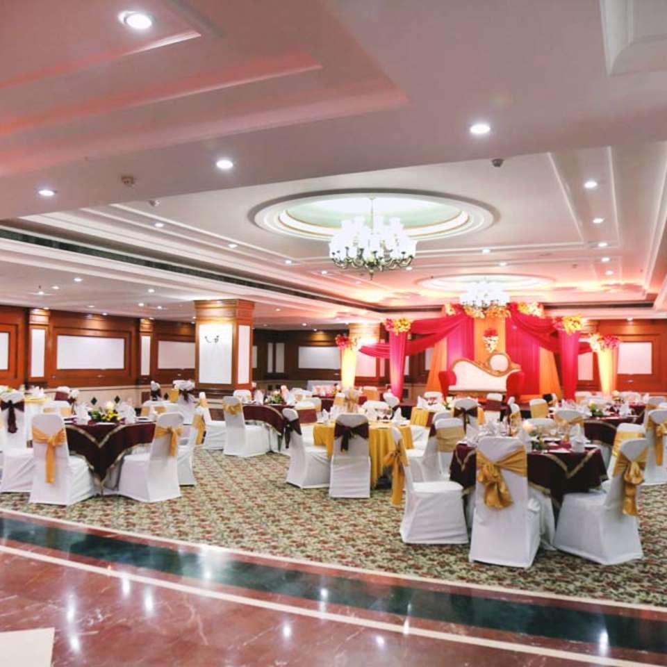 The Ballroom, The Bristol Hotel, Gurgaon, Banquet Hall Near MG Road 6623