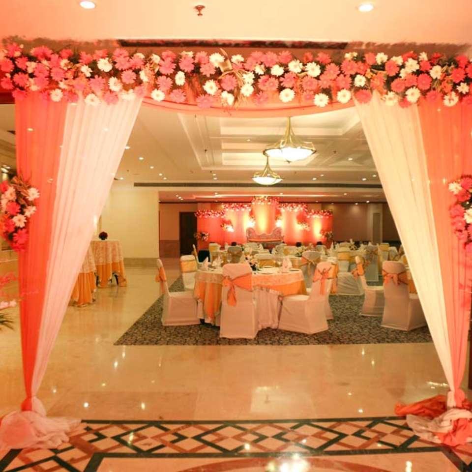 Victoria Banquet Hall , The Bristol Hotel Gurgaon, Banquet Hall near Cyber City 6831
