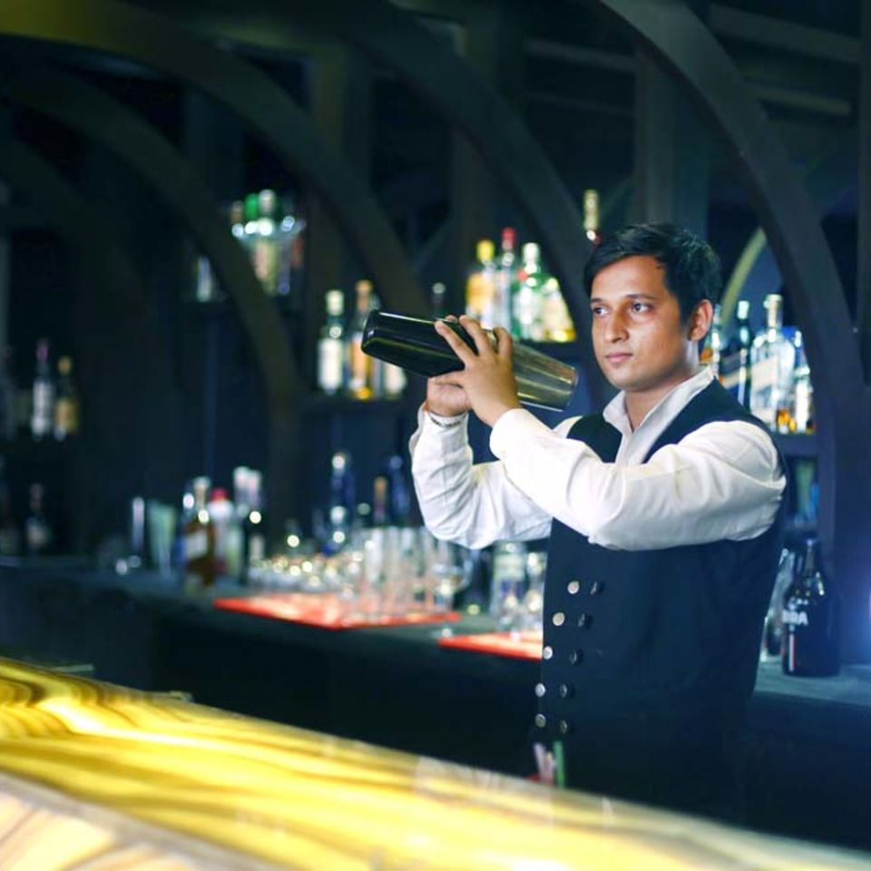 Shanghai Bar & Lounge, The Bristol Hotel Gurgaon, Evening In Gurgaon 3394