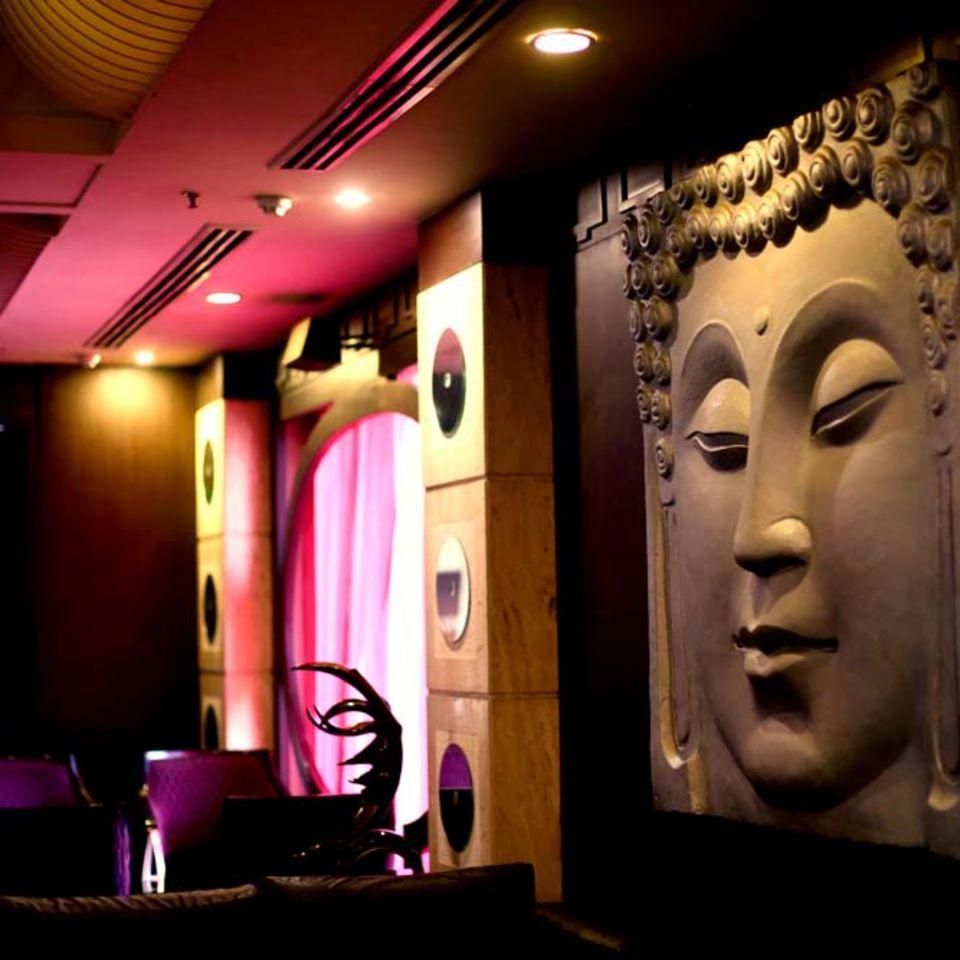 Shanghai Bar & Lounge, The Bristol Hotel Gurgaon, Evening In Gurgaon 3404