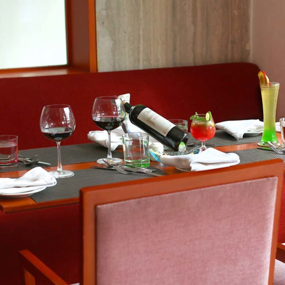 Palmyra Restaurant, The Bristol Hotel Gurgaon, Restaurant In Gurgaon 3032