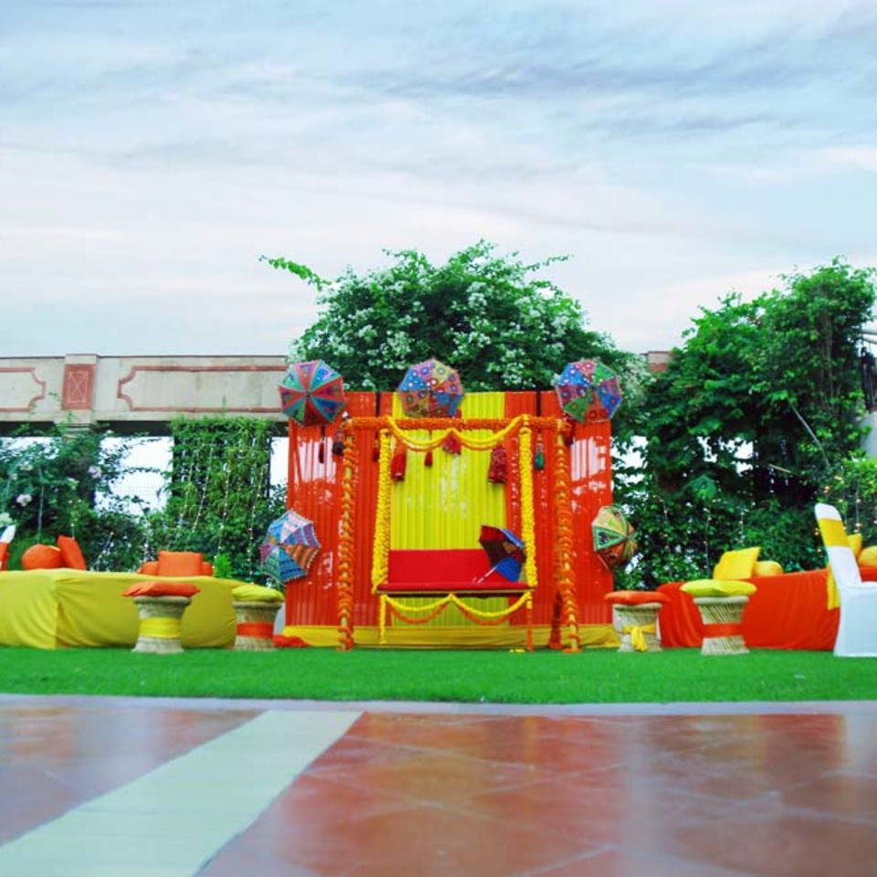 Pool Side, The Bristol Hotel Gurgaon, Banquet Hall In Gurgaon 5058