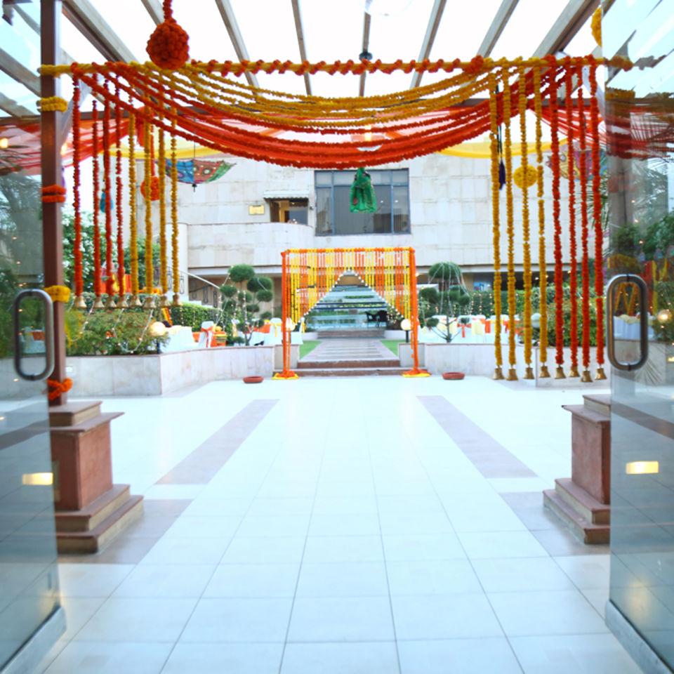 Pool Side, The Bristol Hotel Gurgaon, Banquet Hall In Gurgaon 5073