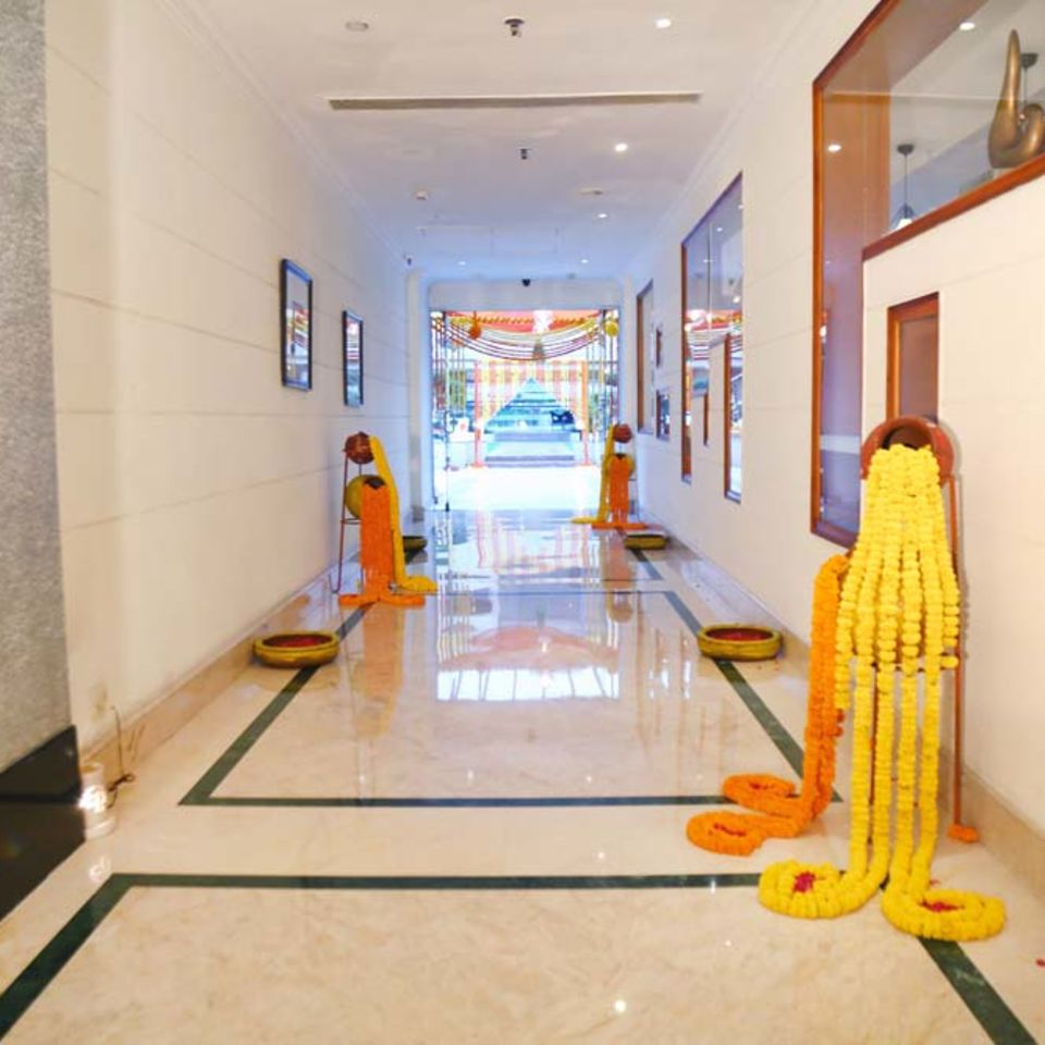 Pool Side, The Bristol Hotel Gurgaon, Banquet Hall In Gurgaon 5510