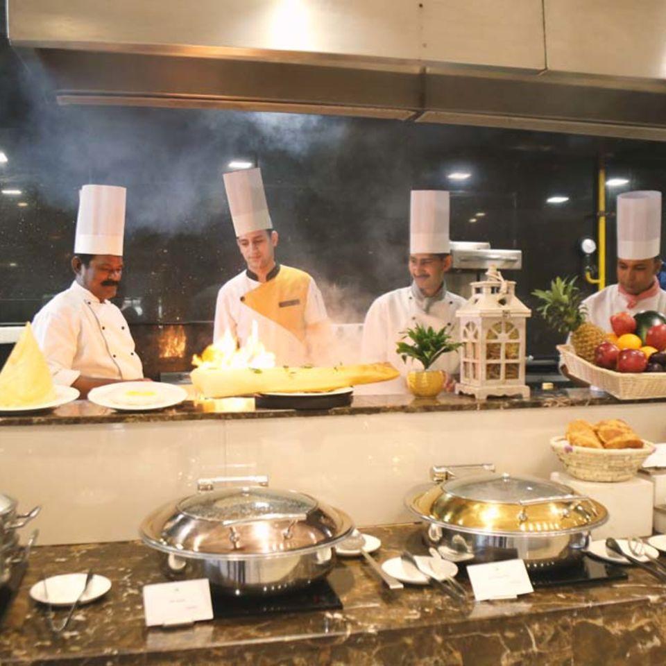 Zaffran Restaurant , The Bristol Hotel, Gurgaon, Dining In Gurgaon 2413