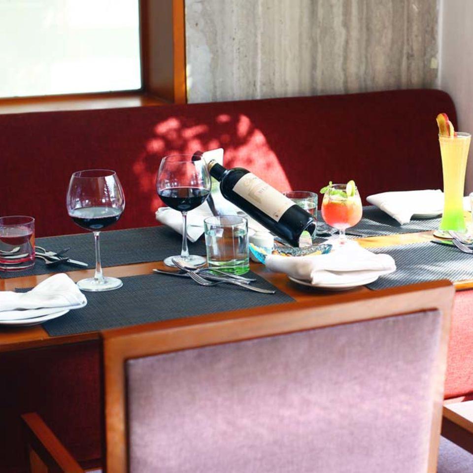 Zaffran Restaurant , The Bristol Hotel, Gurgaon, Dining In Gurgaon 3030