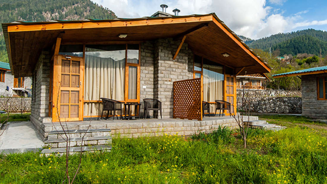 Facade of Larisa Mountain Resort in Manali - Boutique Hotels in Manali