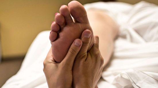 foot-massage-2277450 1920