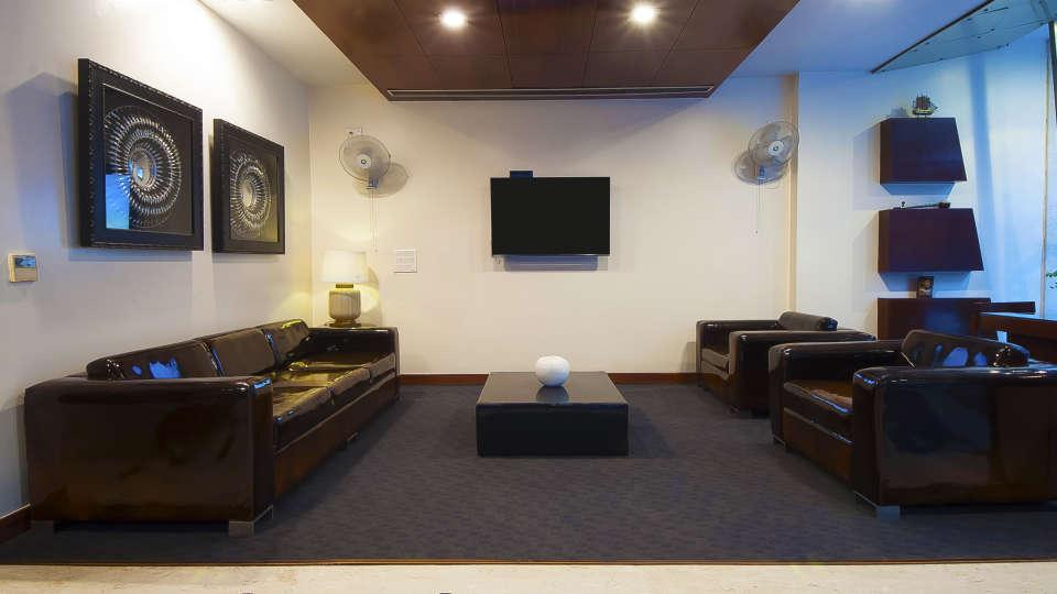 Lobby, Hotel Aura Paharganj New Delhi, Hotels in New Delhi 3