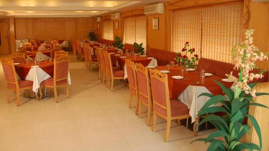 Ashray Inn Hotel in Ahmedabad Restaurant