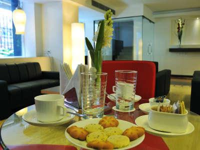 Hotel Niharika Kolkata | Hotels near Park Street | Maidan Hotels