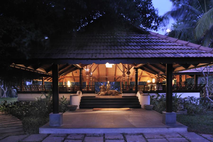 alt-text Reception at Niraamaya Retreats Surya Samdura, Kovalam Resort