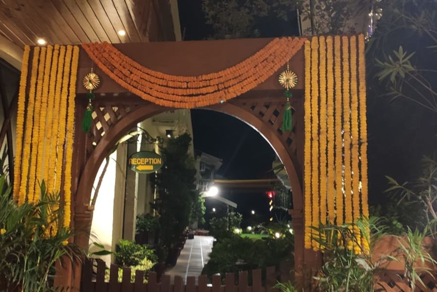alt-text Banquet hall at Hotel Mount View, Weddings in Dalhousie, Banquet Hall in Dalhousie 1