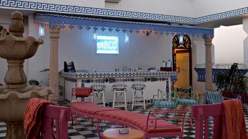 Ta Blu Rooftop Cafe In Jaipur Clarks Amer 5 Star Hotel In Jaipur