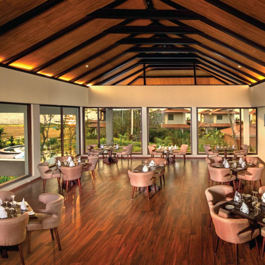 alt-text Essence Restaurant, Niraamaya Retreat Backwater and Beyond, Restaurants in Kumarakom 2
