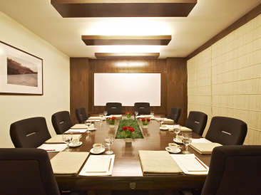 Board Room at Clarks Amer Jaipur - banquet halls in Jaipur asdfer