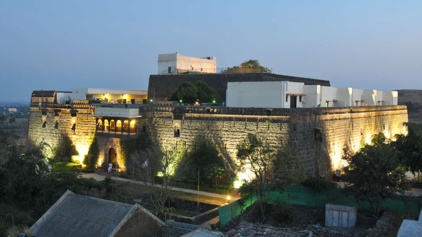 fort jadhavgadh resort near pune getaway from mumbai