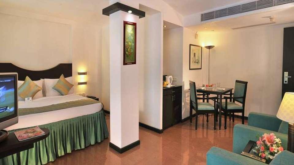Deluxe Room Phoenix Park Inn Goa 1