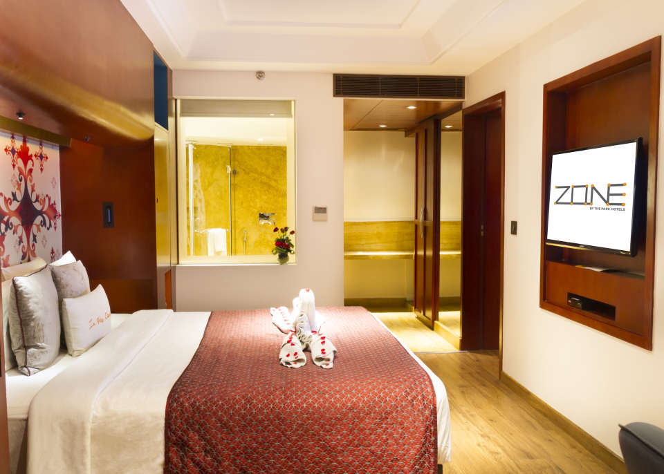 Suites Near Bani Park , Hotel Zone By The Park , Suites In Jaipur 4