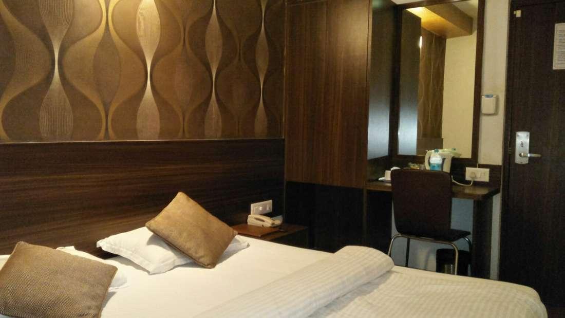 Standard Rooms at Hotel Maharana Inn travel pack