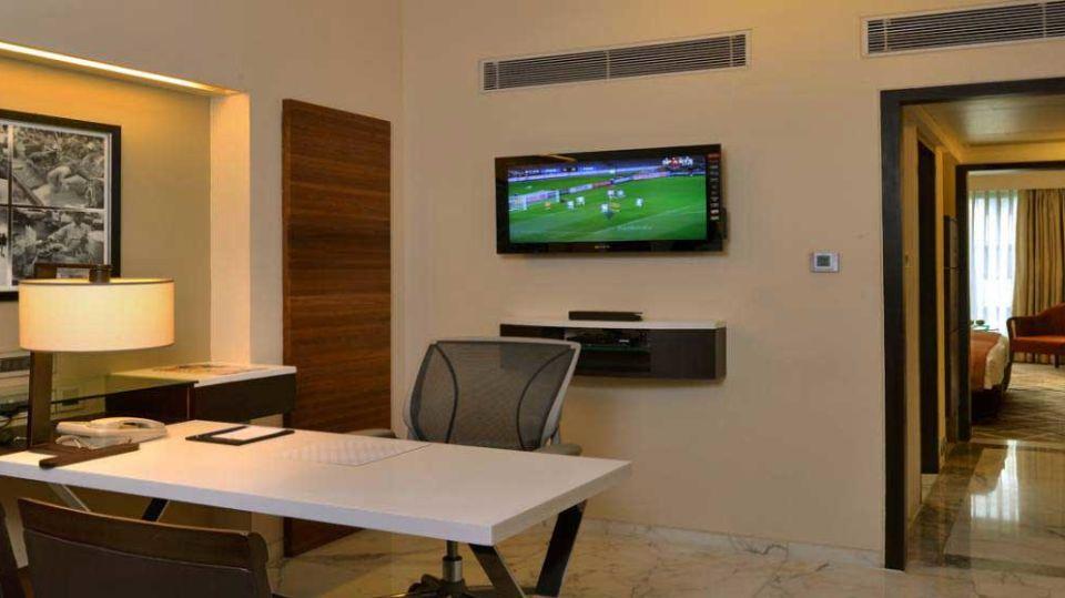 Executive Suites at Hotel Marine Plaza Mumbai