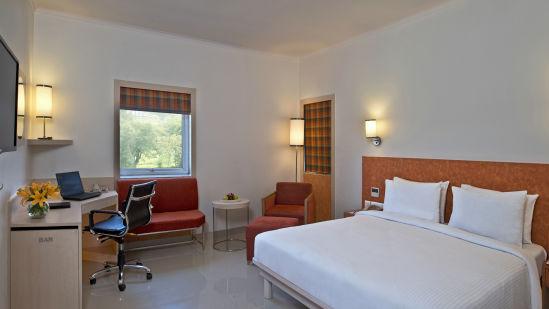 Deluxe Room Nirwana Hometel Jaipur L