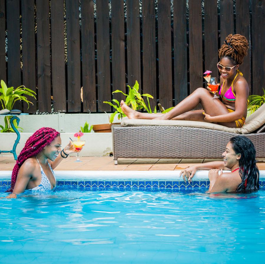 alt-text three girls in pool1 - Copy