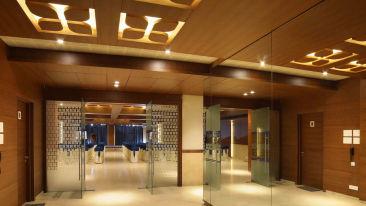 huoseboat hall 3