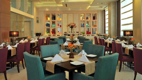 Restaurant Hotel Park Plaza, Faridabad - A Carlson Brand Managed by Sarovar Hotels, Restaurants in Faridabad