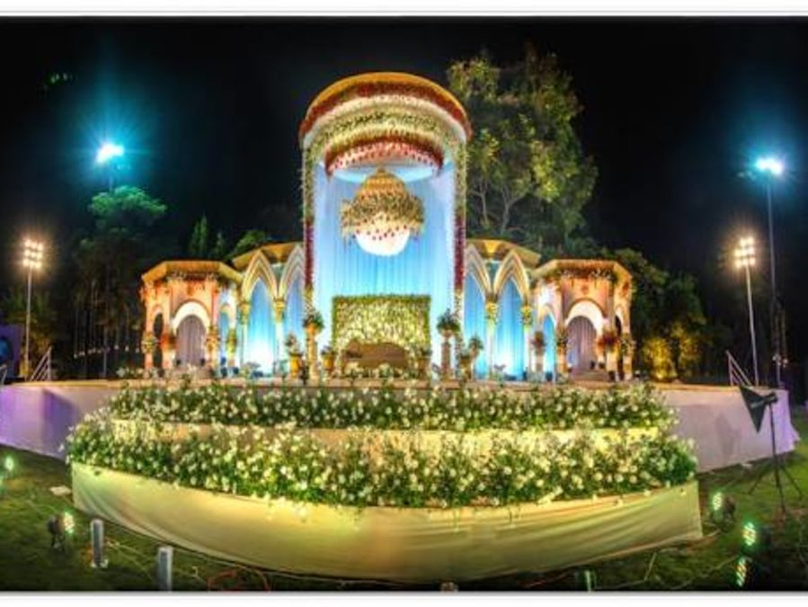 alt-text Customized Decoration of an event at Narayani Heights, best banquets in ahmedabad 2