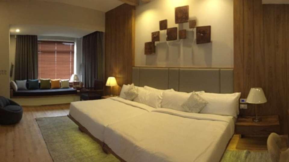 Moksha Himalaya Spa Resort, Parwanoo Chandigarh Royal Suite 2 Moksha Himalay Spa Resort parwanoo 2