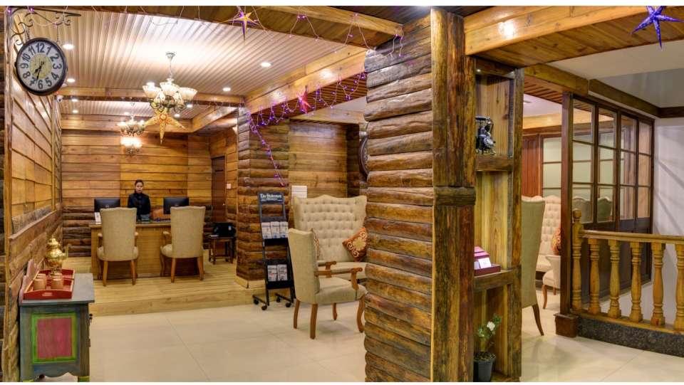 Lobby and Reception at Summit Hermon Hotel Spa Darjeeling 5
