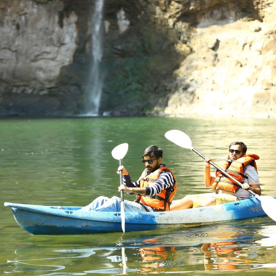 alt-text Kayaking - Dabhosa