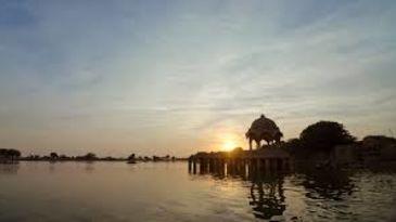 Stay Simple Jaisalgarh Jaisalmer Jaisalmer gadisar lake