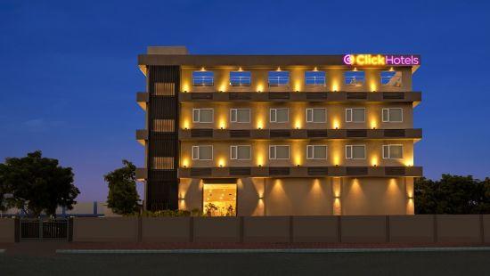 Click Hotel Bhuj - Facade Night