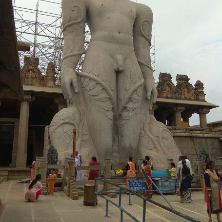 bahubali-statue-Lord- Gomateshwara-Temple-Shravanabelagola