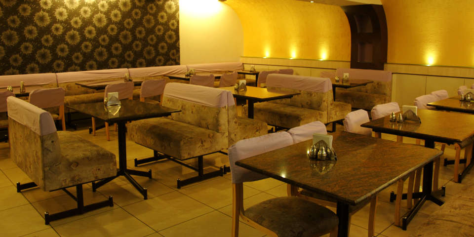 Hotel Suvarna Regency, Hassan Hassan Hotel Suvarna Regency Bar and Restaurant in Hassan
