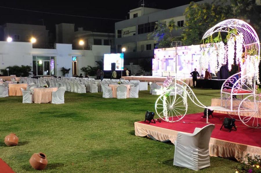 alt-text Lawn | Renest Gandhidham | Gujarat 4