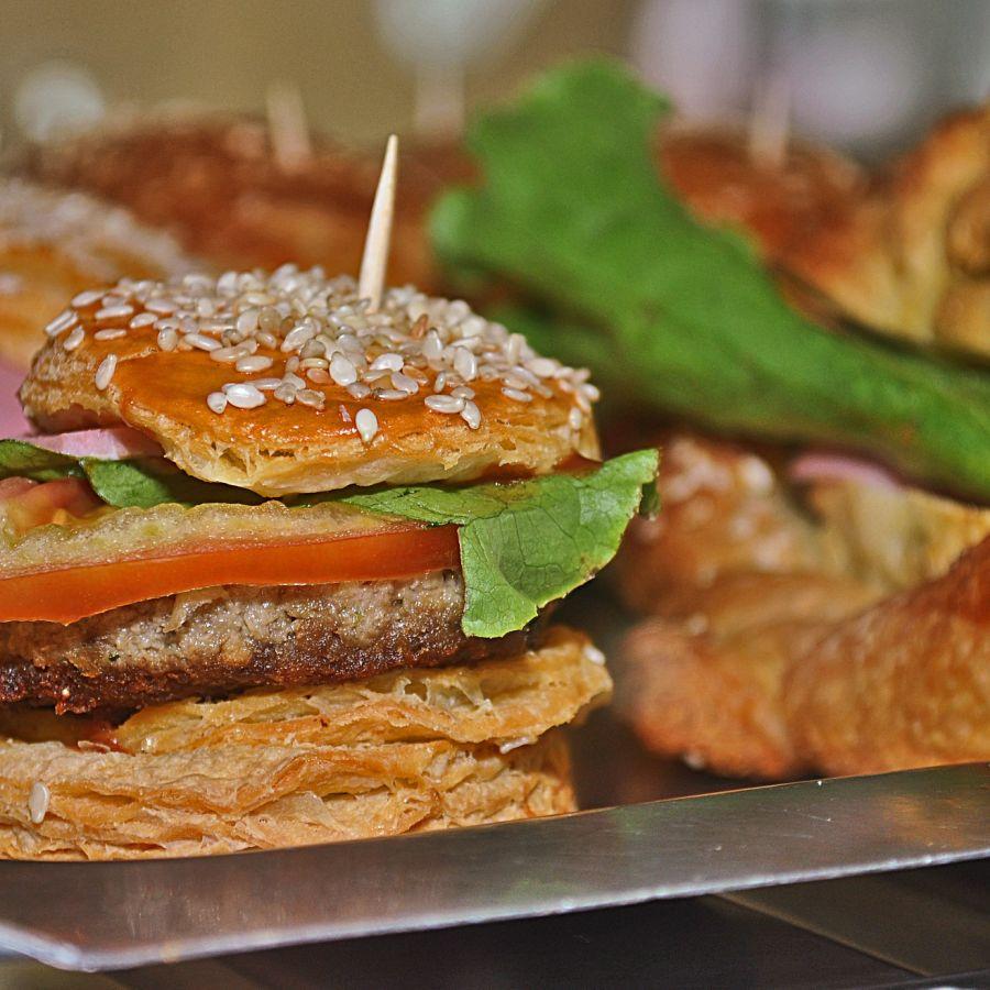 alt-text burger-1334176 1920