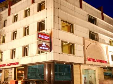Fa?ade_ Hotes near Karol Bagh in New Delhi, Karol Bagh Hotel, Hotel Near New Delhi Railway Station