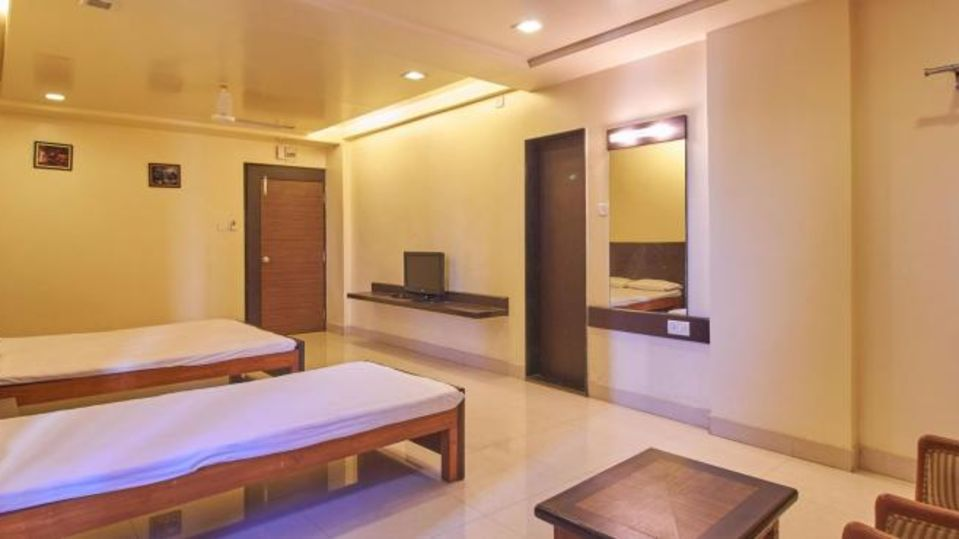 Deluxe Non AC Room - Kohinoor Square Kolhapur Kolhapur Hotels 1