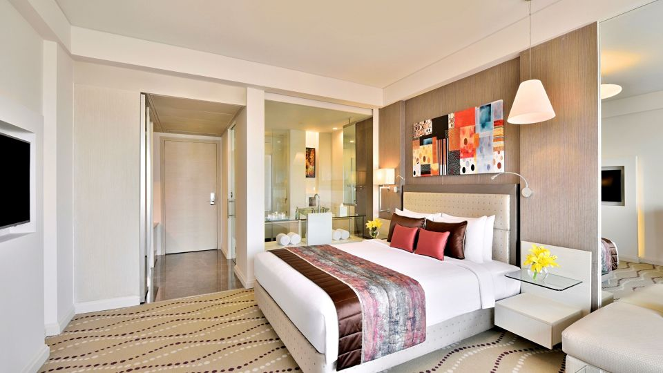Superior Room King Size Bed at Radisson Blu - Bengaluru Outer Ring Road 3