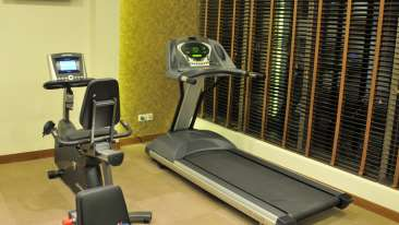 Hotel Adarsh Hamilton - Richmond Town, Bangalore Bengaluru Hotel Adarsh Hamilton in Richmond Town Bangalore Luxury Hotel GYM. 1