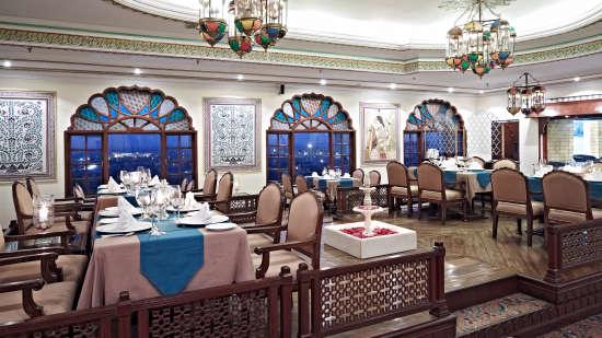 Indian Restaurant in Jaipur, Dhola Mau Restaurant at Clarks Amer 5 Star Hotel in Jaipur efaew4