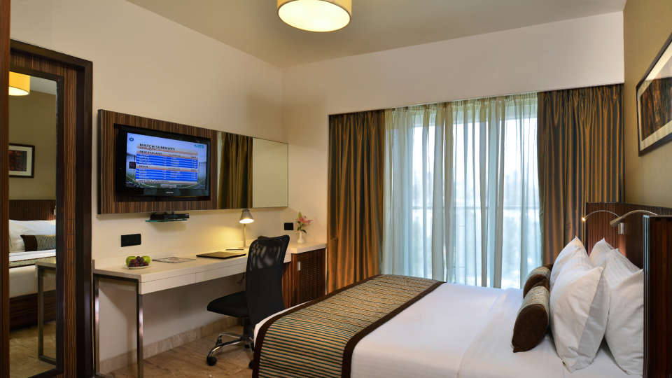 Superior Room Residency Sarovar Portico Mumbai 2