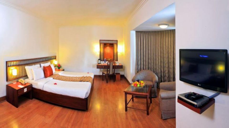 Superior Rooms at Abad Plaza Hotel Rooms in Kochi 2