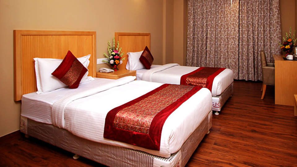 Executive-Rooms-Twins-8